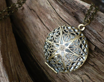 Photo locket pendant necklace, little secret treasure keeper; sister locket necklace; best friend locket; filigree star medallion
