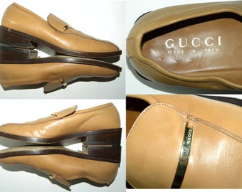 Men's Gucci shoes / Loafers / Slip Ons / ITALY / Chunky heels / LOGO bar / Mod / Luxe / Dandy / Vintage / Men's size 8 / women's 10