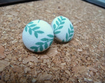 "Leaf Fabric Button Earrings, Fabric Covered Earrings, Green Fern Leaf Earrings 3/4"""