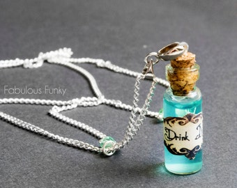 Drink Me necklace Silver