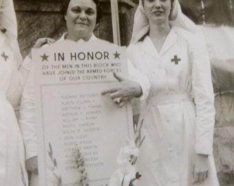 1940's WW II Era Red Cross Victory Garden Chicago Snapshot Photo - Free Shipping