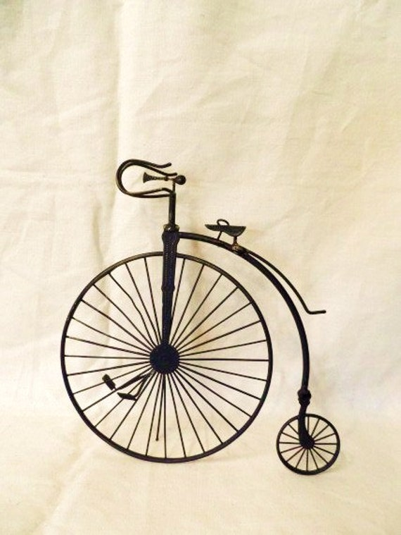 Vintage miniature old time three wheel bicycle bike antique for Bicycle wheel table