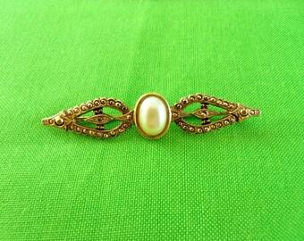 Vintage Gold Brooch (Item 1038)