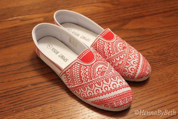 Henna Shoes - White Slip-on Canvas Flats with Red Henna Designs, Size 7