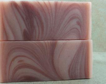 Razzouli - Handmade Soap - Raspberry Puree, Ruby Red Grapefruit, Dark Patchouli