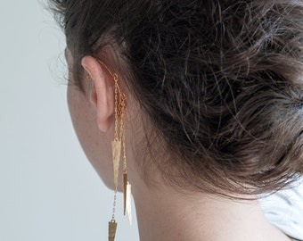 Statement Ear Cuff. Single Earring. Gold hammered spikes.