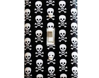 Skull Light Switch Plate Cover / Boys Kids Room / Baby Nursery Decor / Jolly Roger Black and White