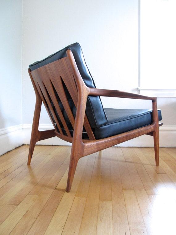 Rare Milo Baughman Walnut Lounge Chair