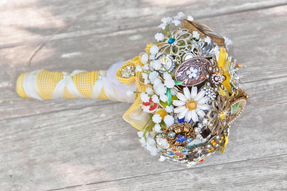 Vintage Jewellery Wedding Bouquets : Chandeliers pendant lights