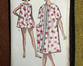 60's Advance 2918 Sewing Pattern / Misses' Robe and Shorty Pajamas // Size 14 Bust 34