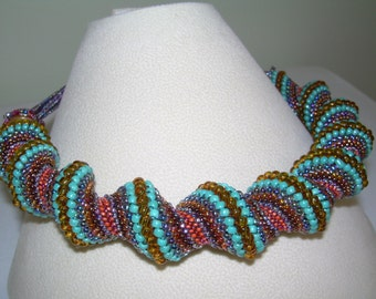 Jumbo Spiral Pearl Necklace