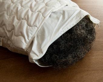 Horsehair Pillow. Organic Quilting. 40x60cm.