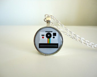 Vintage Polaroid Camera Necklace Pendant. Polaroid One Step Camera, Camera Lover Rainbow Instant Camera, gift under 20