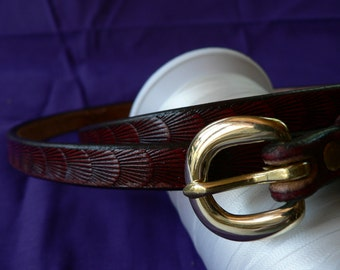 Dark red leather belt , thin red belt , custom tooled belt , dress belt , fashion belt , skinny leather belt , Ladies , belts