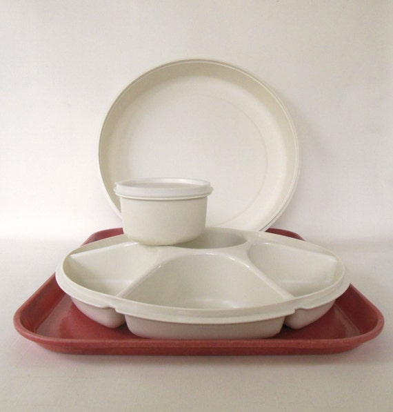 Sectioned Tupperware: Complete Tupperware Divided Relish Dip Veggie Serving Tray