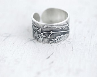 Victorian Floral ring band