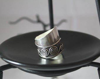 Gentle Water Waves Sterling Silver Ring (Water Element)