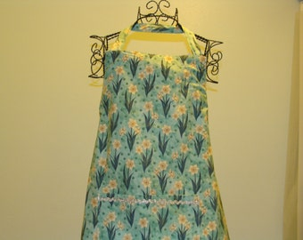 Adult Apron with Daffodils (# 475 #107)