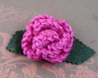 Crocheted Rose Lapel Pin - Hot Pink with Pink Glitter (SWG-PL-ZZ04)