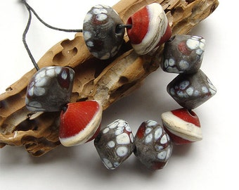artisan lampwork, handmade  - some snow is in the air - by Calisto