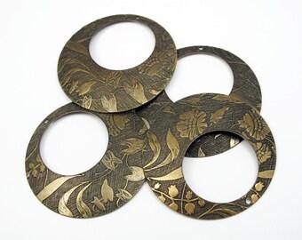 Antiqued Etched Brass Floral Print Circle Hoop Pendants (4x) (V475)