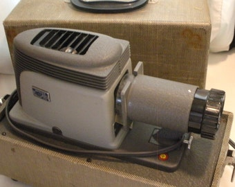 Vintage Argus 200 Slide Projector With Case