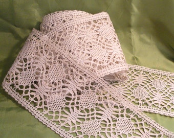 Antique Bobbin Lace 5+ Yards 5 Inches Wide Stunning!