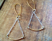 Golden Curve Dangling Chain Earrings
