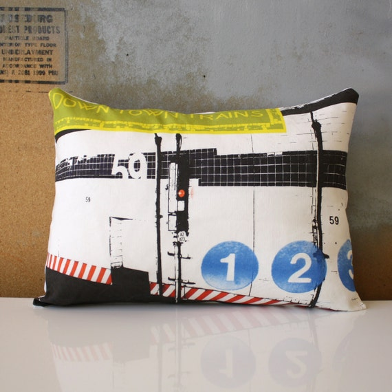 END of SEASON SALE - New York City - Urban Throw Style no17