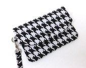 iPhone Wallet Phone Wristlet - Black and White Houndstooth