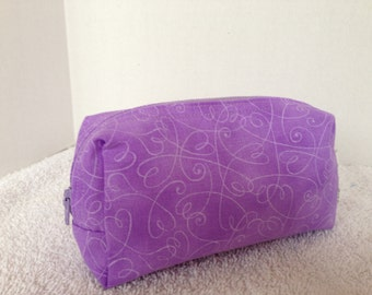 Box Shape Zipper Pouch with Tissue Cozy-small-Swirly Hearts on Purple (Zip 115-D)