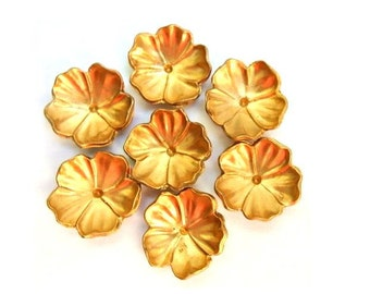 7 Vintage flowers cabochon coated with gold color, 18mm, UNIQUE
