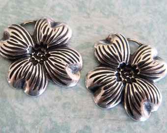 NEW 2 Silver Flower Charms 3300
