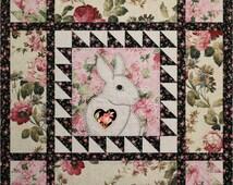 Easy Applique Bunny -- Applique Pattern