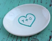 Engagement Ring Dish with Heart, Personalized Oval Ceramic Dish with Heart and Initials, Custom Engagement Ring Dish with Initials