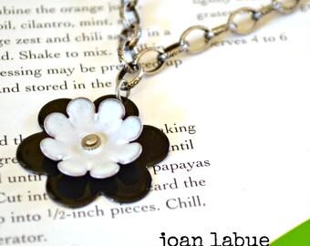 Flower Enamel Necklace Black and White