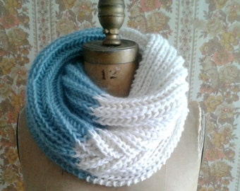 Knitting Pattern Infinity Scarf Cowl Instant PDF Download Easy Quick to Knit Pattern Gift Idea