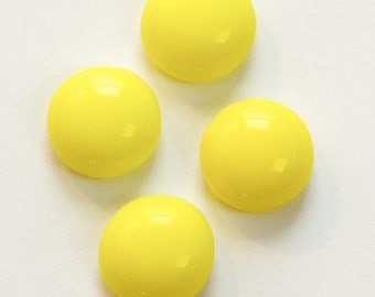 Vintage Opaque Yellow Glass Cabochons 13mm cab704DD