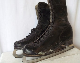 Vintage Ice Skates - CCM Black Leather - Size 8.5 - Womens Classic Skates - Iceskates - Christmas in July