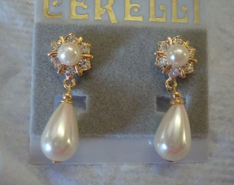 Faux pearl drop rhinestones gold tone pierced earrings wedding prom Vintage 80s 90s