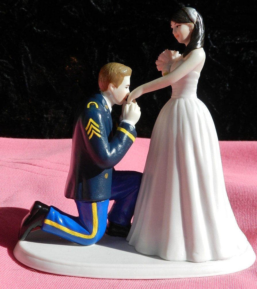 military wedding cake toppers army us army soldier prince wedding cake topper kneel 17374
