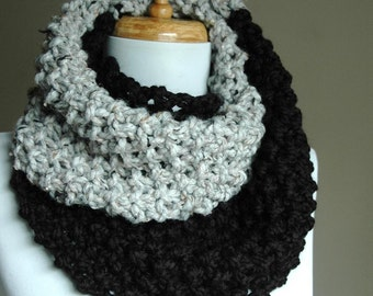 Black and Gray Circle Scarf, Colorblock Scarf, Infinity Scarf, Chunky Scarf, Hand Knit Infinity Scarf, Women's Winter Scarf, Knitted Scarf,