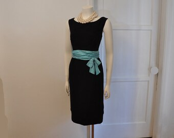 50s dress / Just a Splash Polka Dot Vintage 1950's Wiggle Dress