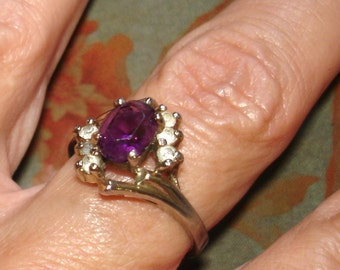 vintage faux diamonds and amethyst gold ring