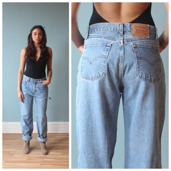 oversized levis / boyfriend jeans / baggy 90s levi jeans