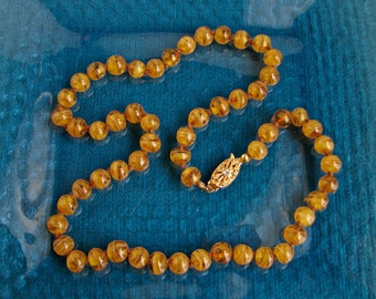 """Hand-Knotted - Hand-Shaped 24"""" AMBER SWIRL GLASS Bead Necklace Filigree Clasp NFine"""