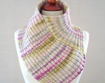 Soft spring neck warmer, hand knit in hand spun yarn