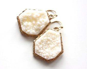 Druzy white earrings, bridal jewelry, black earrings, wedding jewelry