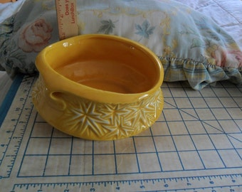 Vintage 1968 McCoy  Planter in Deep Yellow w/Starburst Pattern - No Chips and No cracks