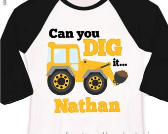 Big brother to be can you dig it under construction pregnancy announcement raglan Tshirt